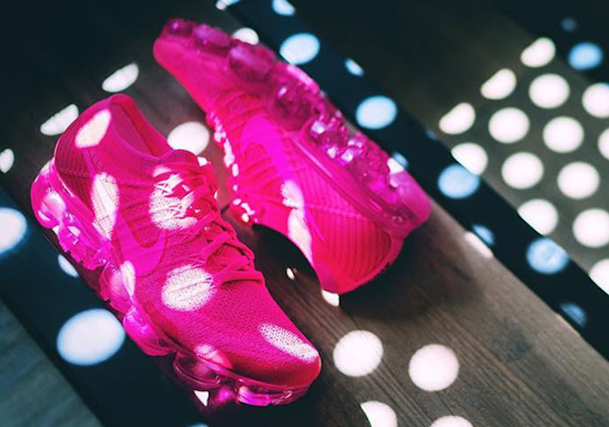 sale retailer 01e3a 651ca Nike Air VaporMax Is Back With A 'Hyper Punch' Of Colour ...