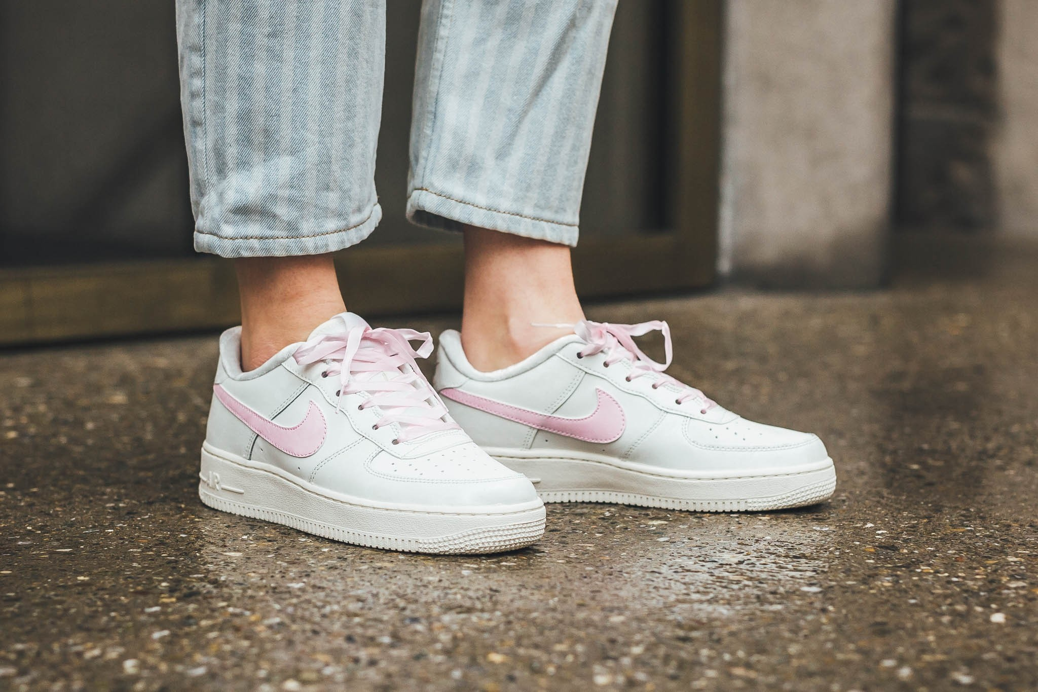 794509e77b Millennial Pink Transforms Nike's Air Force 1 With Adorable Results ...
