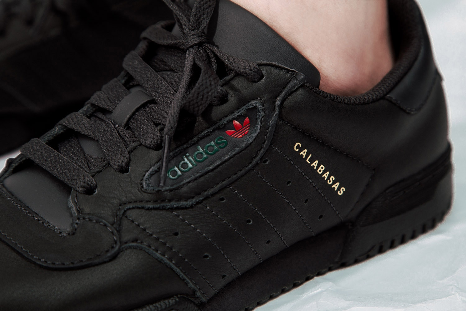 a6335a0f05c98 On Foot Guide To The Core Black YEEZY Powerphase For Girls ...