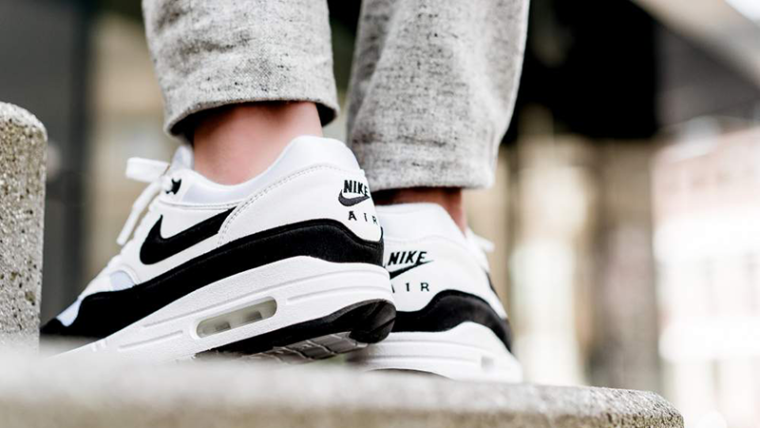 newest 3dbb9 bc04d Nike Air Max 1 White Black Womens   319986-109