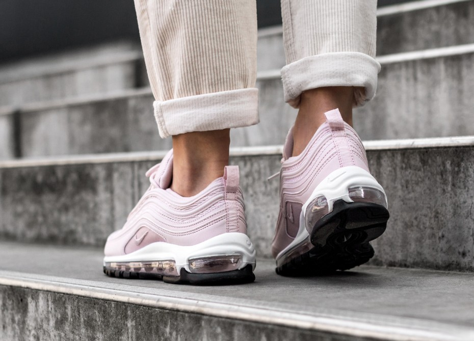 921733 600 Nike Wmns Air MAx 97 Barely RoseBarely Rose Black