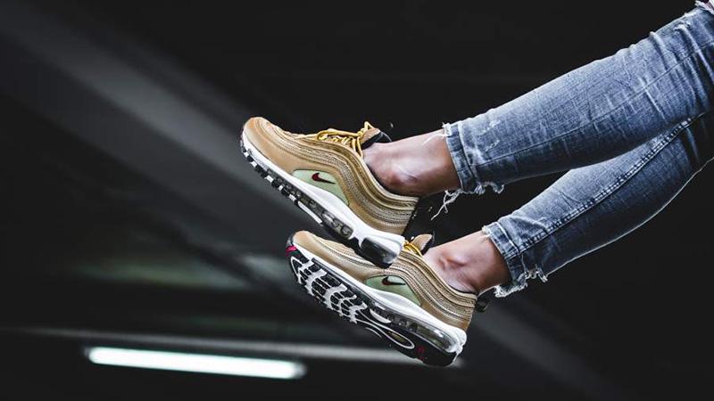 check out de476 52de9 Nike Air Max 97 OG Gold Womens | 885691-700