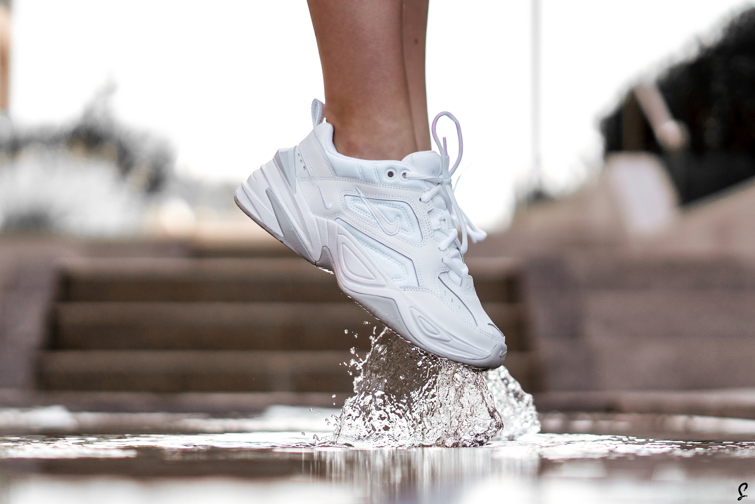 Costoso Tom Audreath Impotencia  An Exclusive On Foot Look At The Triple White Nike M2K Tekno ...