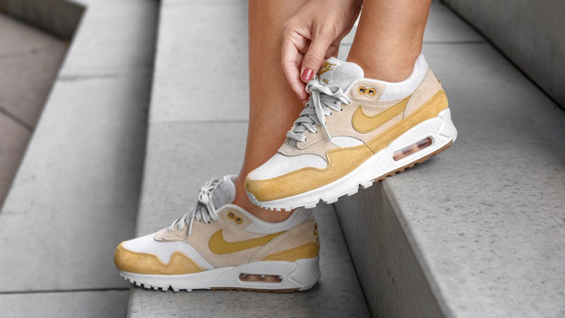 Nike Air Max 90 1 Guava Ice Womens  52cd2ca2e