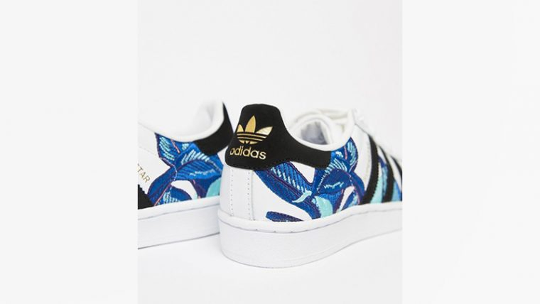 Perenne Planeta Casa de la carretera  adidas Superstar Flower Embroidery White Blue | The Sole Womens