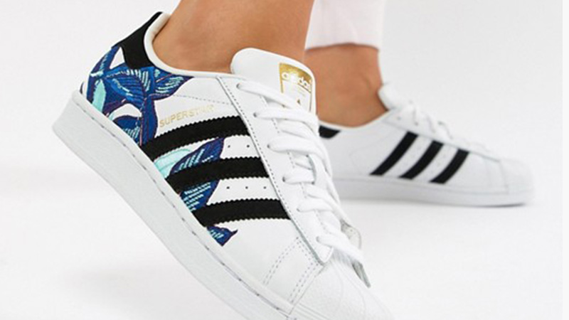 new products e9a31 c2698 adidas Superstar Flower Embroidery White Blue