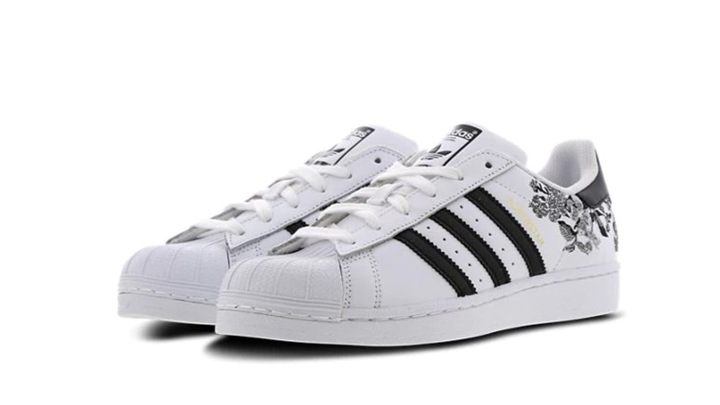 black and white adidas superstars footlocker