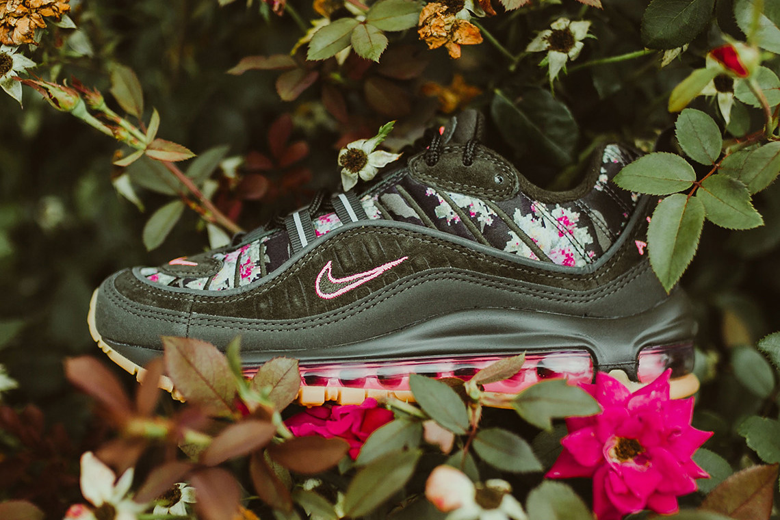 on sale efc15 a8454 Floral Blooms Take Over Nike's Air Max 98 | Upcoming Sneaker ...