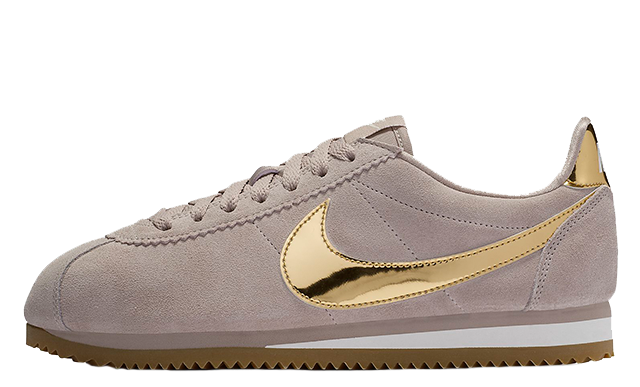 0aaf1a38c08fb4 Be sure to stay tuned to The Sole Womens for more updates on Nike s latest  women s exclusive releases. UK true DD MM YYYY. Nike Cortez SE Phantom Gum  Light ...