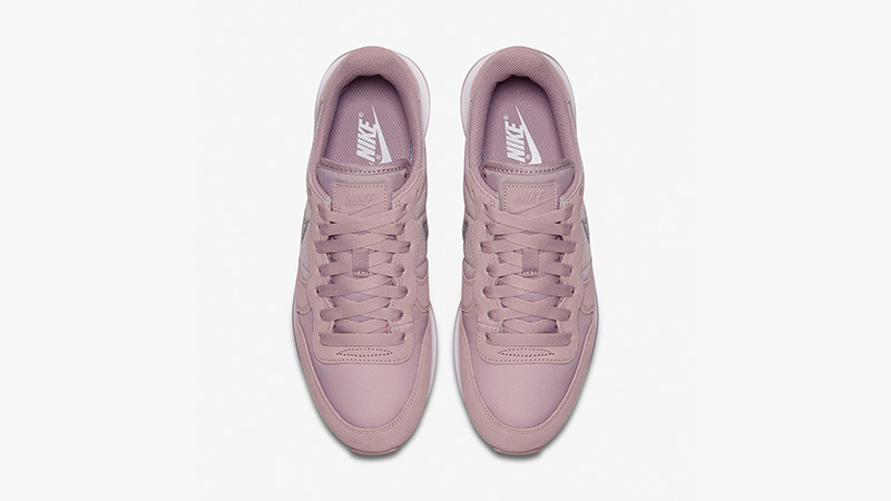 Nike Internationalist Particle Rose Womens AT0075-600 02