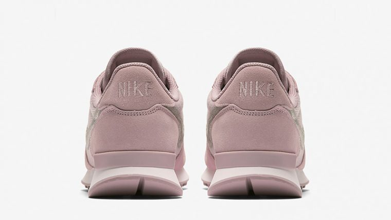 classic fit ae61b b6e54 Nike Internationalist Particle Rose Womens AT0075-600