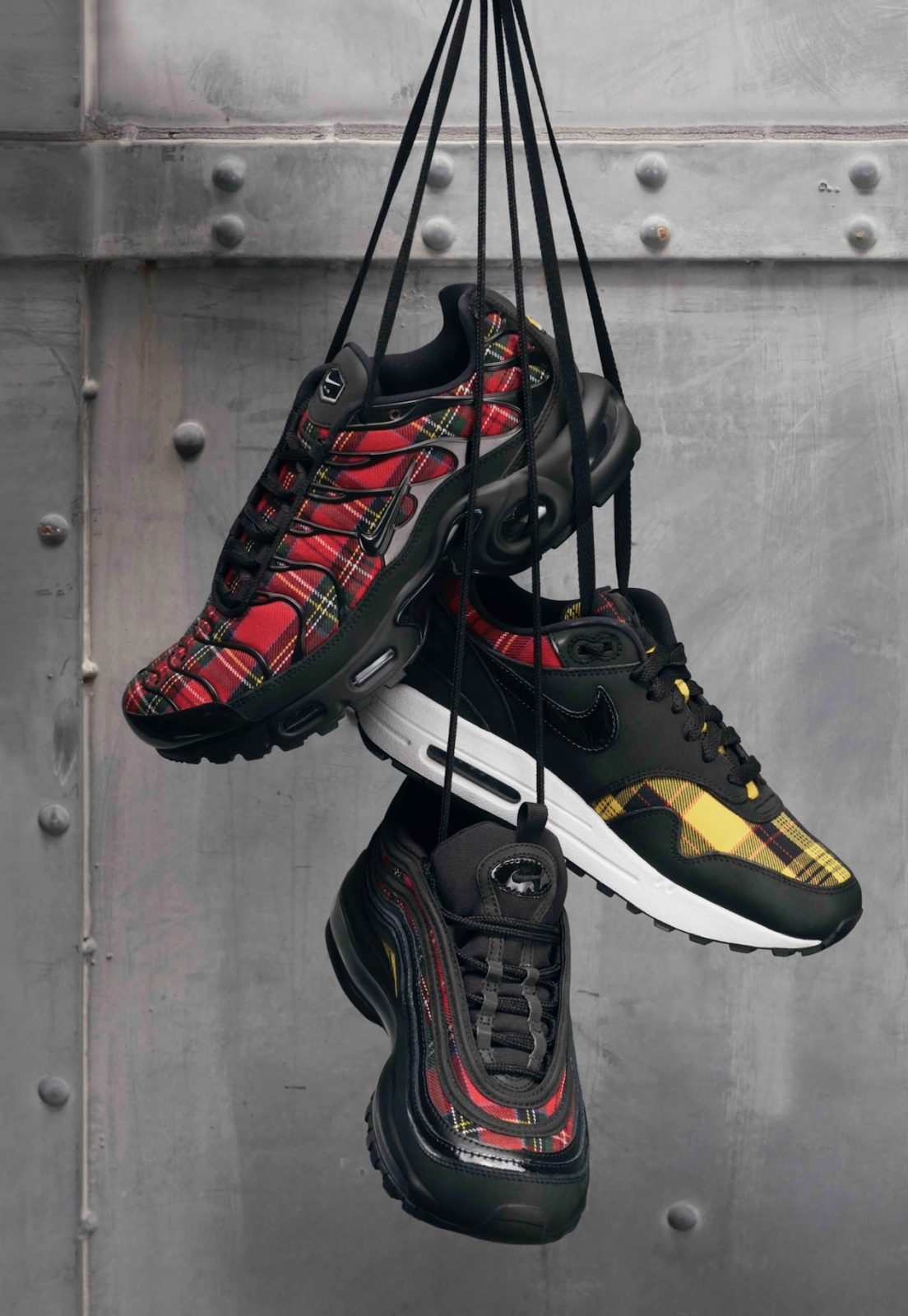 1cc284e85c Nike Air Max 1 SE