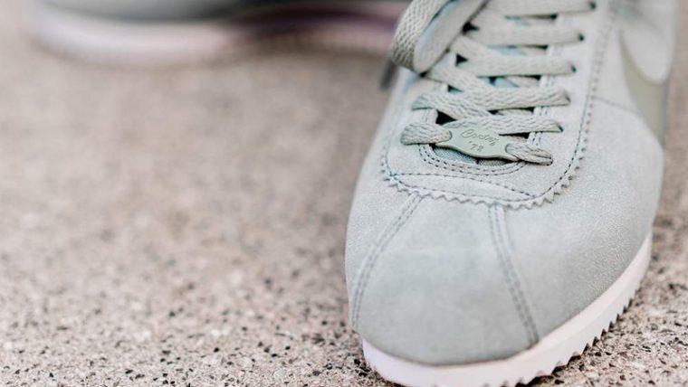 huge selection of 5331c 14fa3 Nike Classic Cortez Premium Green Burgundy Womens | AR5696-300