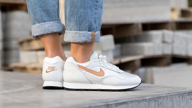 Nike Outburst Womens White Brown