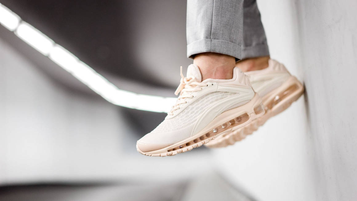 nike wmns air max deluxe se guava at8692 800 mood 1 w1160