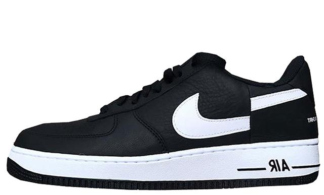 Desfiladero Excluir Pera  Supreme x Comme des Garcons x Nike Air Force 1 Low Black White ...