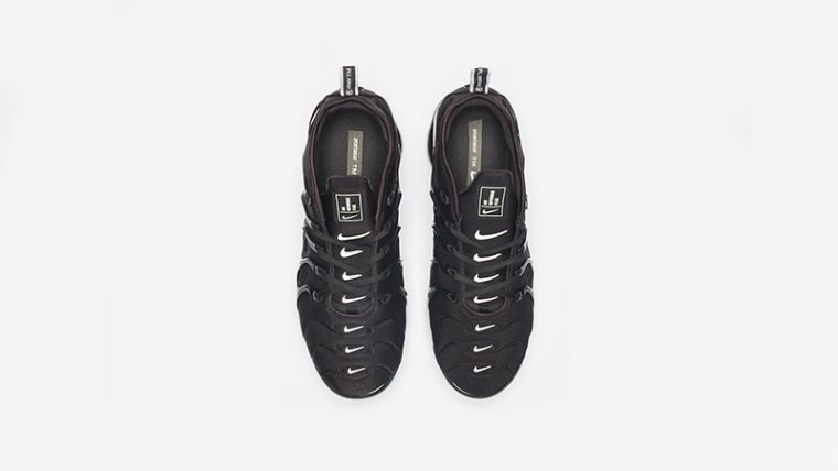 Nike Air VaporMax Plus Black White 924453-011 02 thumbnail image