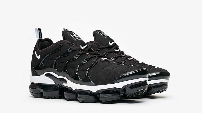 Nike Air VaporMax Plus Black White 924453-011 03