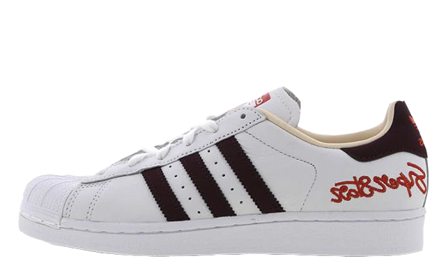 sports shoes d47ec efce2 adidas Superstar Scripted White Womens