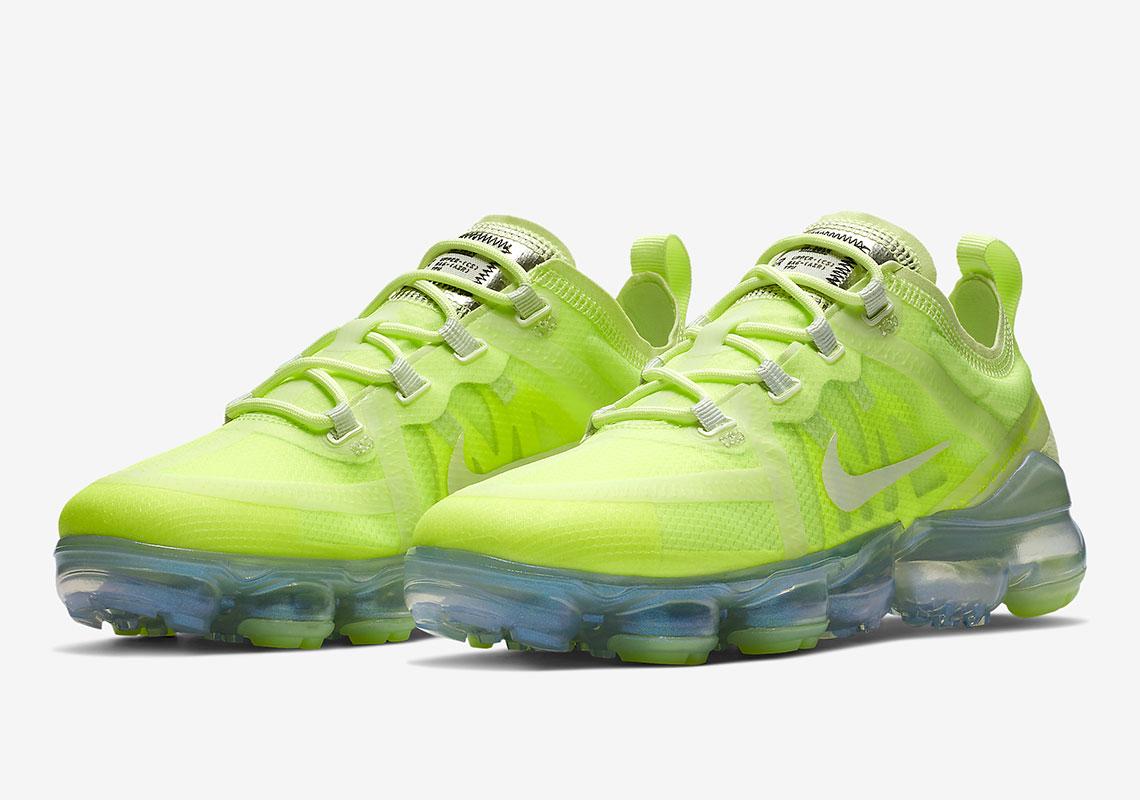 size 40 0e35f 1b7d1 Nike Air VaporMax 2019 Volt Glow | AR6632-700