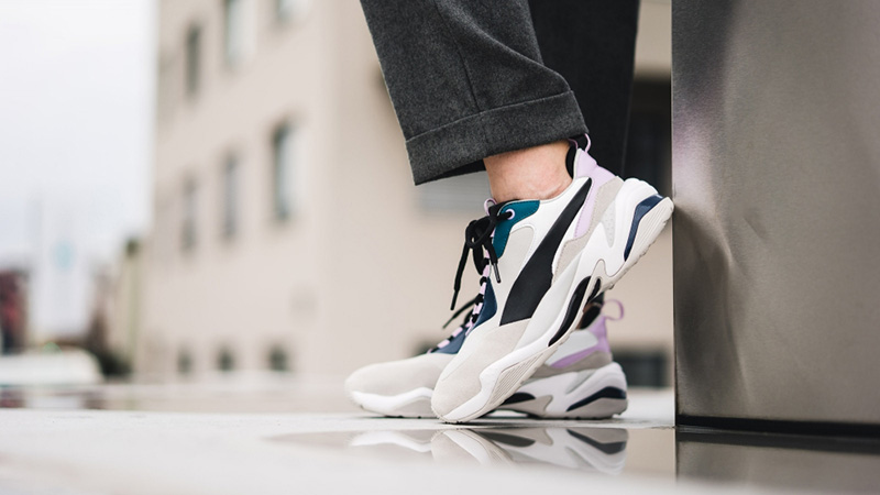 https://thesolewomens.co.uk/wp-content/uploads/2018/12/Puma-Thunder-Rive-Droite-Grey-Pink-369452-01-02.jpg