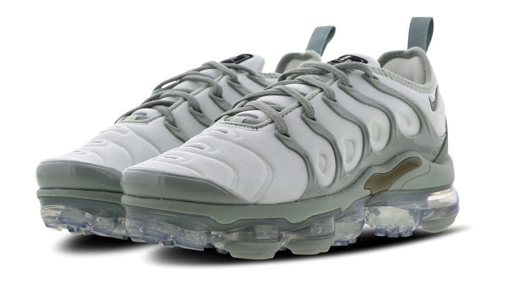on sale e32ec ffdd0 Nike Air Vapormax Plus Grey