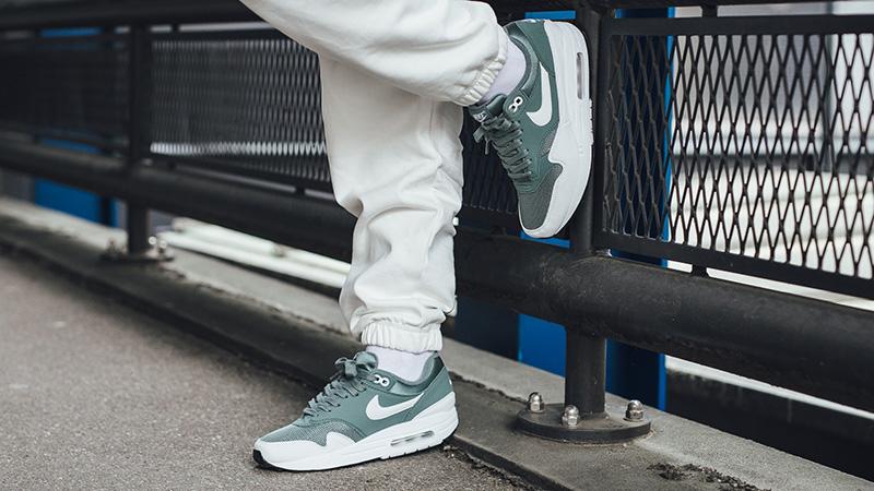 Nike Air Max 1 Clay Green White Womens 319986-303 04