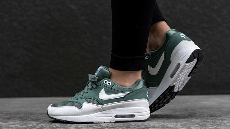 Nike Air Max 1 Clay Green White Women's | 319986-303