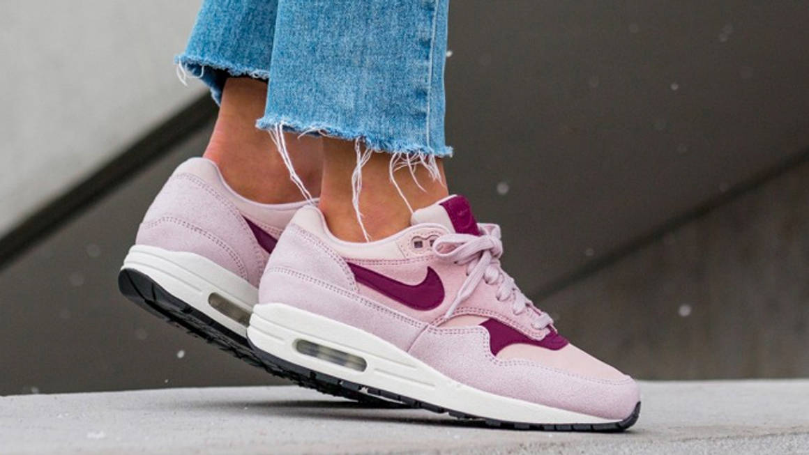 True Berry And Rose Suede Adds A Sweet Touch To The nike wmns air ...