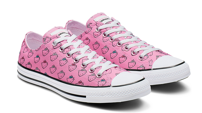 https://cdn.thesolewomens.co.uk/2019/02/Converse-x-Hello-Kitty-Chuck-Taylor-All-Star-Low-Top-Pink-03.jpg