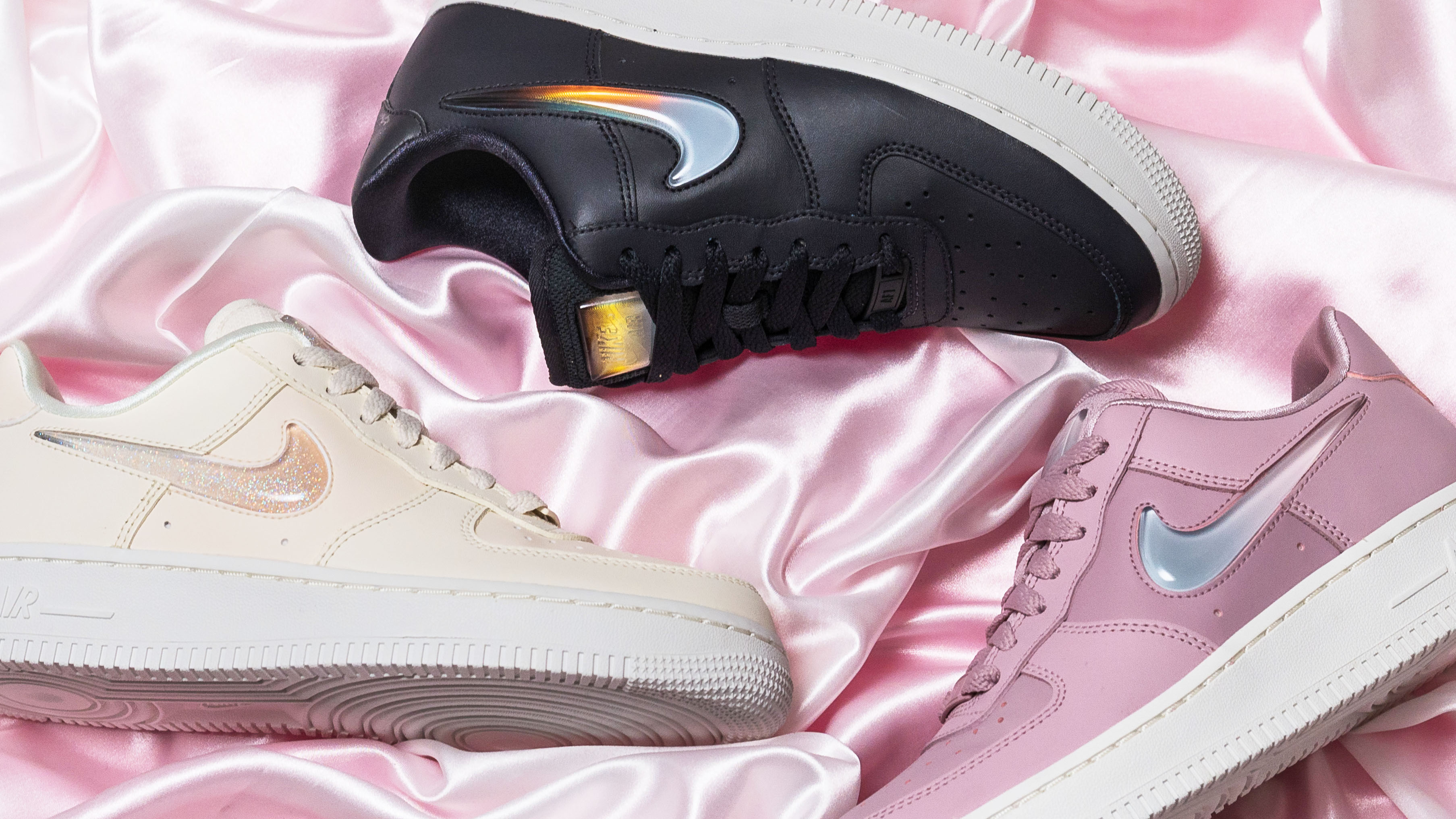 Ennegrecer Nueva llegada Shipley  Check Out The Jelly Swoosh On These Nike Air Force 1's | The Sole Womens