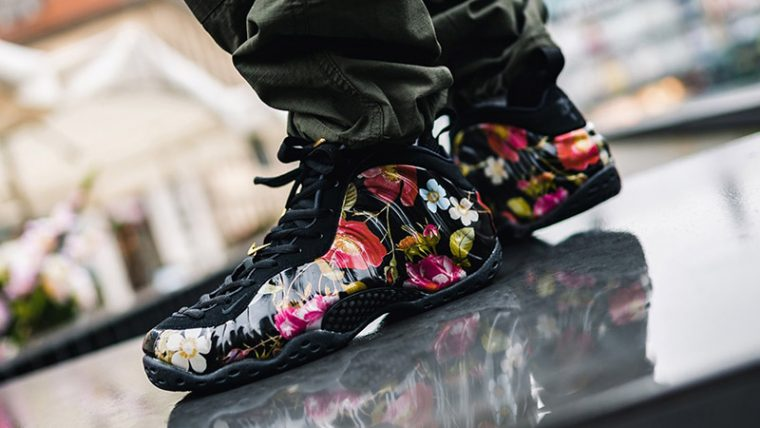 Nike Air Foamposite One Floral 314996-012 04 thumbnail image
