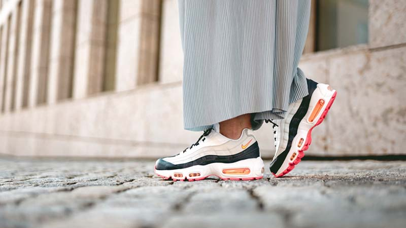 Nike Air Max 95 OG White Navy | 307960 405 | The Sole Womens