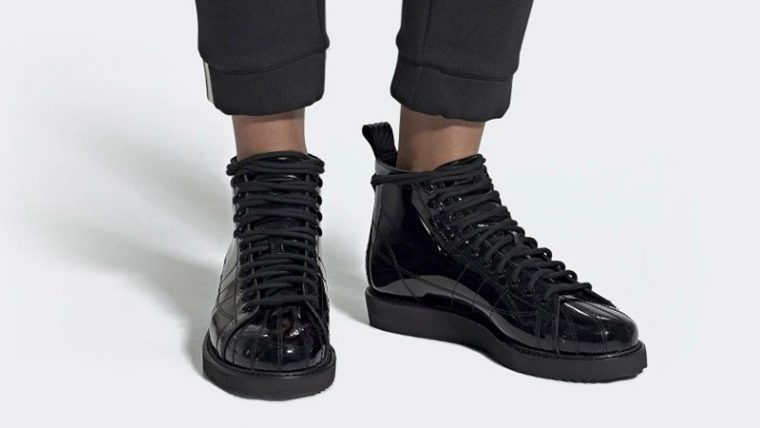adidas Superstar Boots Triple Black CG6458 04 thumbnail image