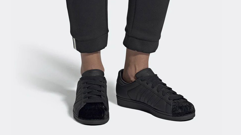 adidas Superstar Triple Black Womens CG6011 04