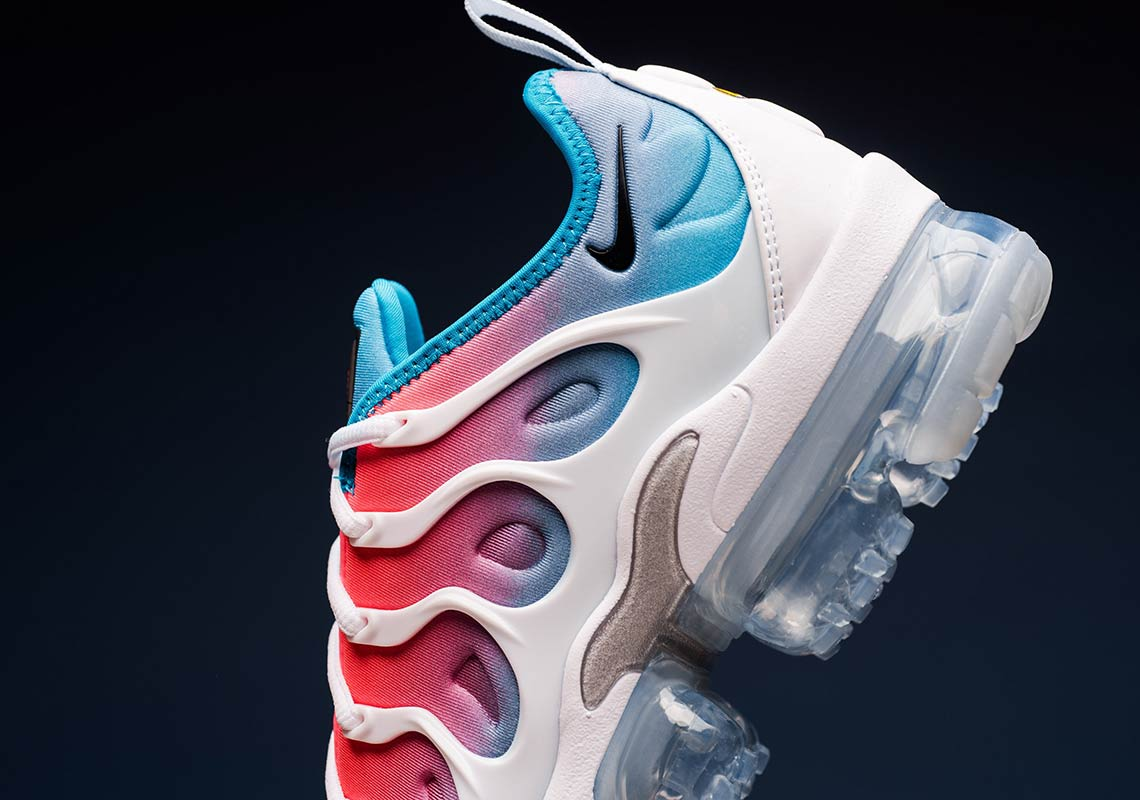 25262d5936 A Pink Sea Gradient Beautifies The Air VaporMax Plus | Upcoming Sneaker  Releases | The Sole Womens