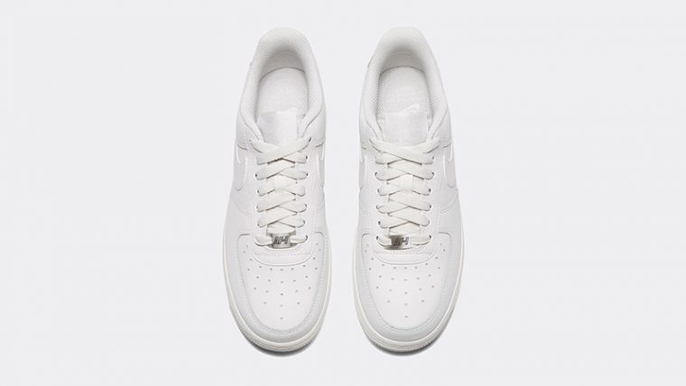 info for 0c731 c9bcd Nike Air Force 1 07 Essential Tint Womens middle