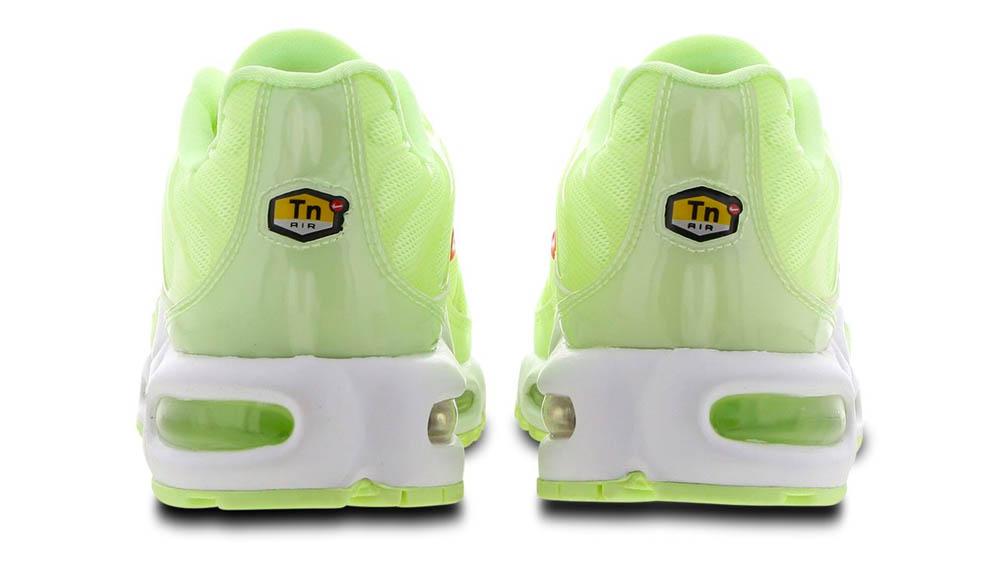 the latest 5fee3 cea5b Nike Tuned 1 Volt Green