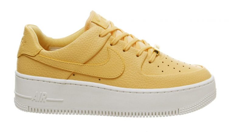 Nike Air Force 1 Sage Trainers Topaz Gold White