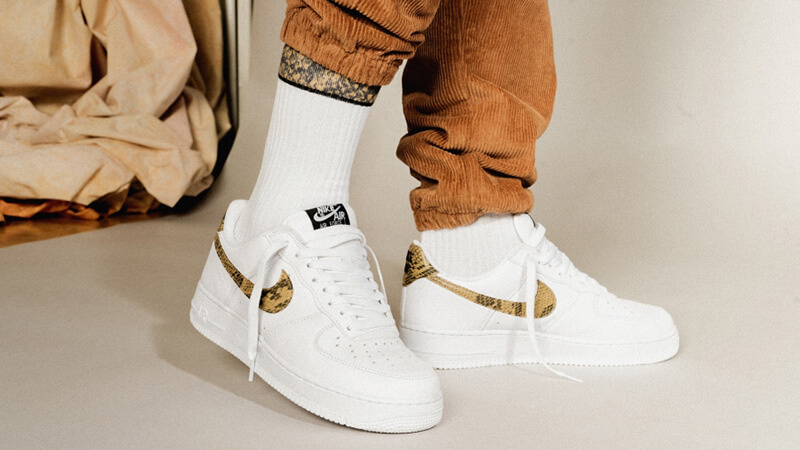 Nike Air Force 1 Low PRM Ivory Snake AO1635-100 on foot front