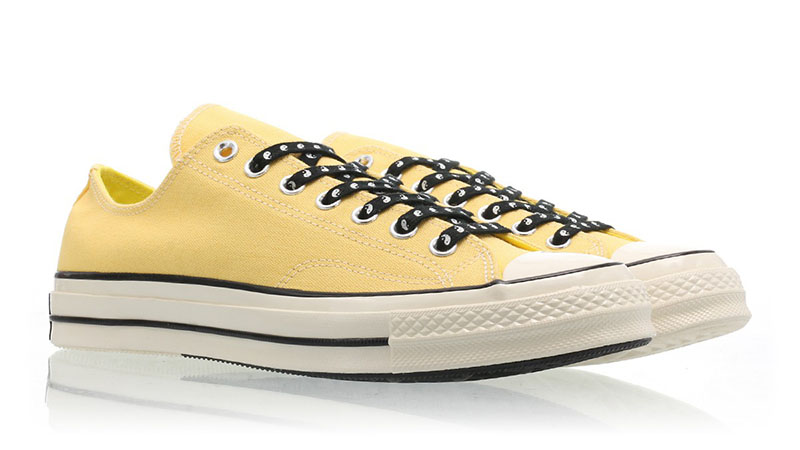 Converse Chuck Taylor 70 OX Yellow White frontConverse Chuck Taylor 70 OX Yellow White front