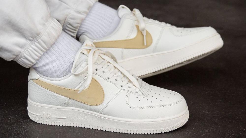 Nike Air Force 1 07 Sail Pale Vanilla