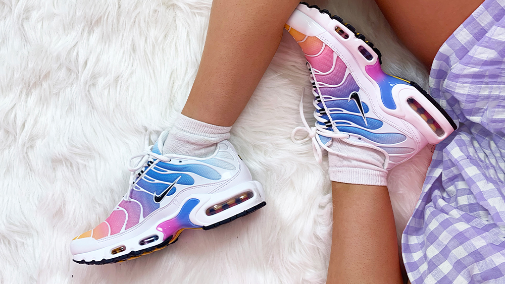 Nike Wmns Air Max Plus *Gradient Pack* (White Black University Blue Psychic Pink)