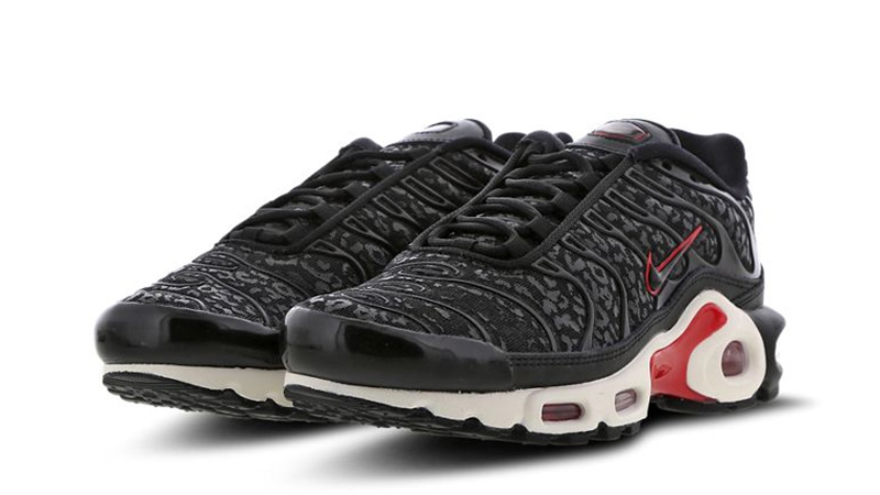 sports shoes b5887 c6eb9 Nike TN Air Max Plus Black Red Womens | BV6116-001