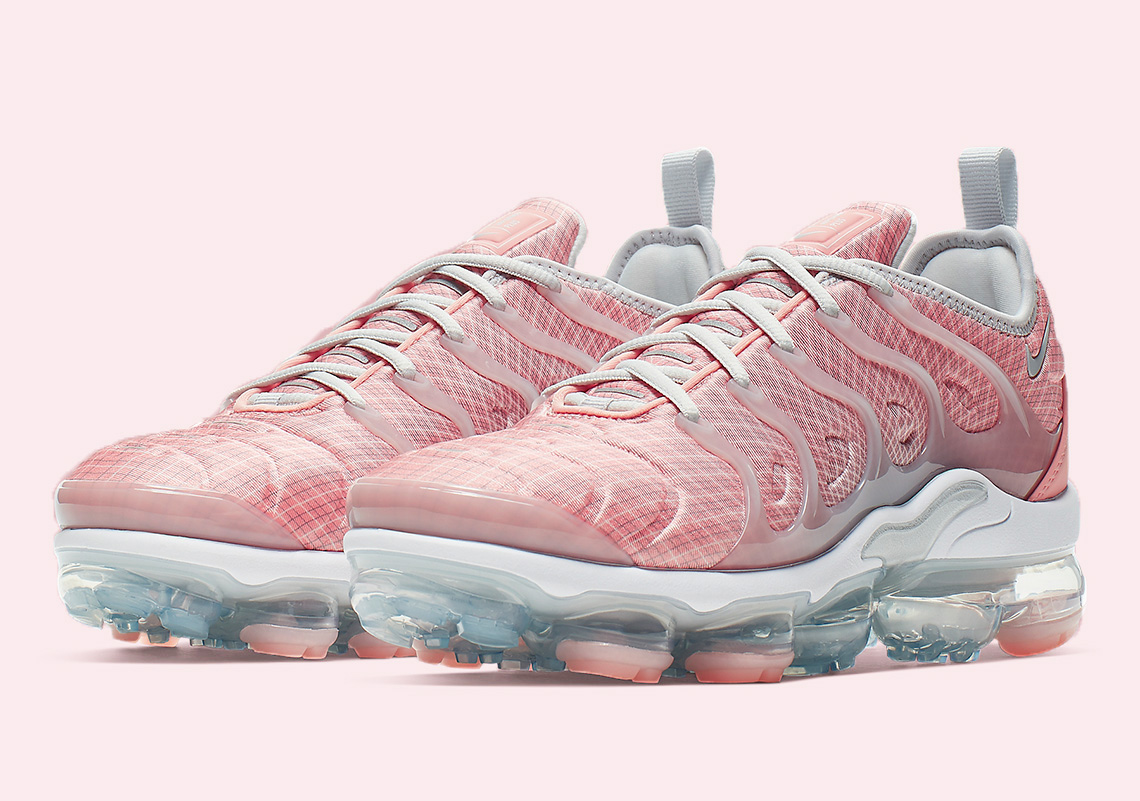 promo code 1fe08 90794 The Nike Air VaporMax Plus Gets Painted In Pink   Upcoming ...
