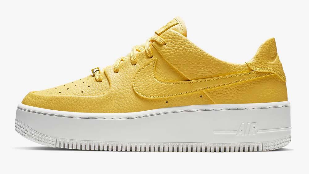 Nike Air Force 1 Sage Yellow