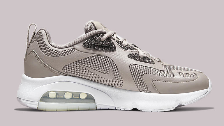 Contratar Hervir Gallo  Feel Pretty In This Embellished Nike Air Max 200 | Upcoming ...