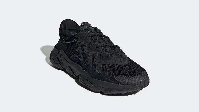 adidas Ozweego Black EE6999 front