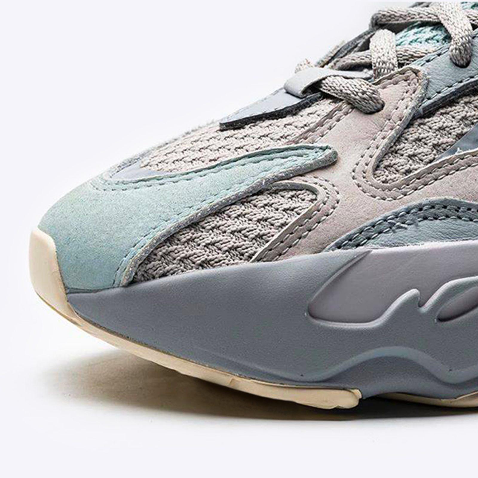 adidas Yeezy Boost 700 V2 Inertia toe box copy