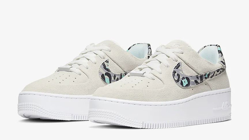 Nike Air Force 1 Sage Low White Team Gold CQ7511-071 front